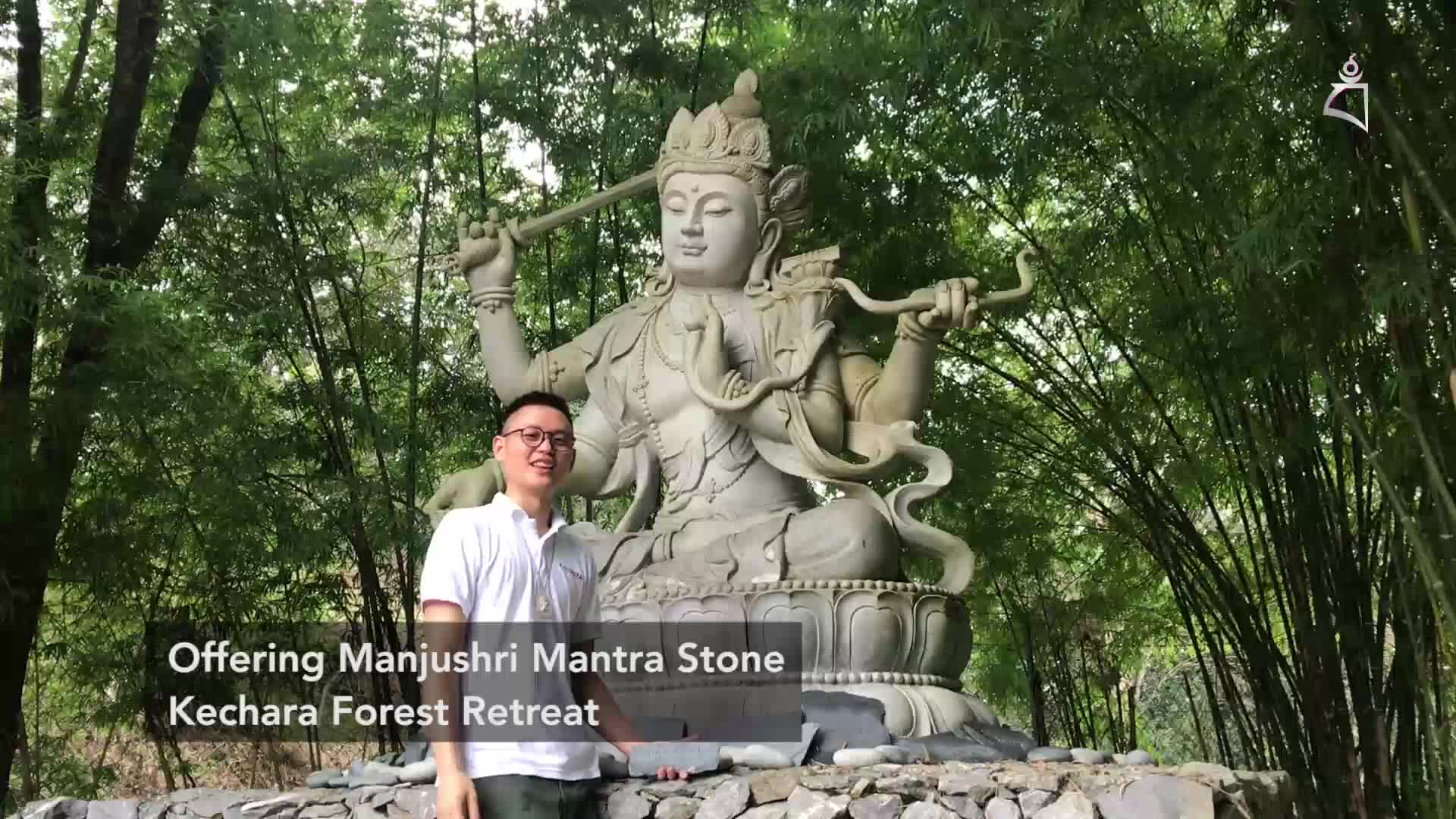 Wylfred explains in Chinese the benefits of mantra stones at Kechara Forest Retreat-Malaysia   |  黄明川以华语解释在马来西亚克切拉禅修林的玛尼堆(刻有心咒的石头)的利益